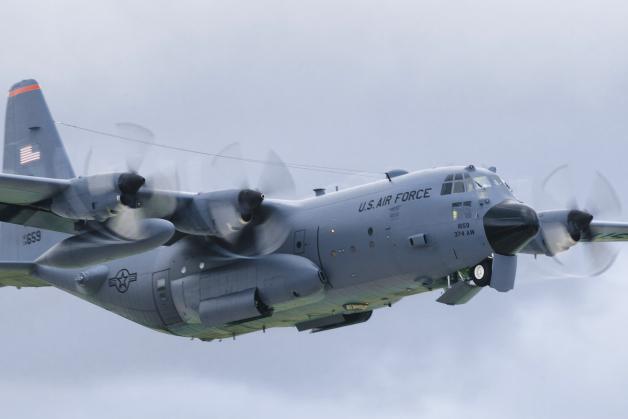 ニュース画像 1枚目:2016年のクリスマス・ドロップで使用されたC-130