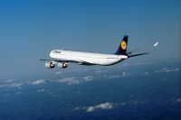 ニュース画像:12月1日に日本路線退役したA340-600、12月7日に羽田へ飛来