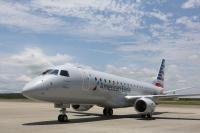 ニュース画像 1枚目:エンボイ・エアが運航する1,400機目のEジェット、「N263NN」