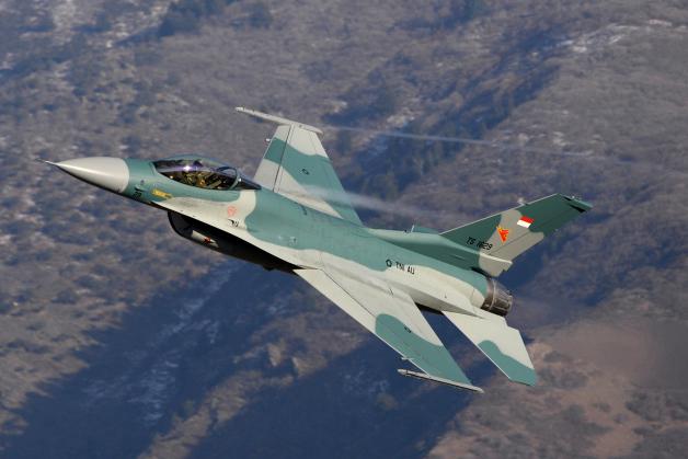 ニュース画像 1枚目:514 FLTSで試験飛行するF-16C