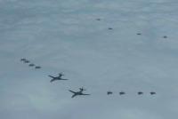 ニュース画像 1枚目:編隊航法訓練の飛行の様子