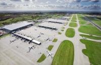 ニュース画像 1枚目:ロンドン・スタンステッド空港