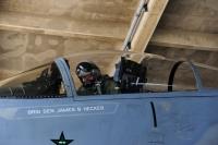 ニュース画像 2枚目:離陸準備をするヘッカー准将