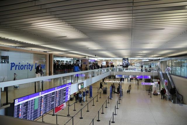 ジュネーヴ国際空港、ピーク期でも待ち時間を20分未満に削減 | FlyTeam ...
