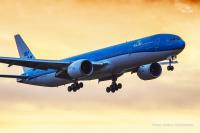 ニュース画像:KLMオランダ航空、新塗装・新シート装備の777-300ERを受領