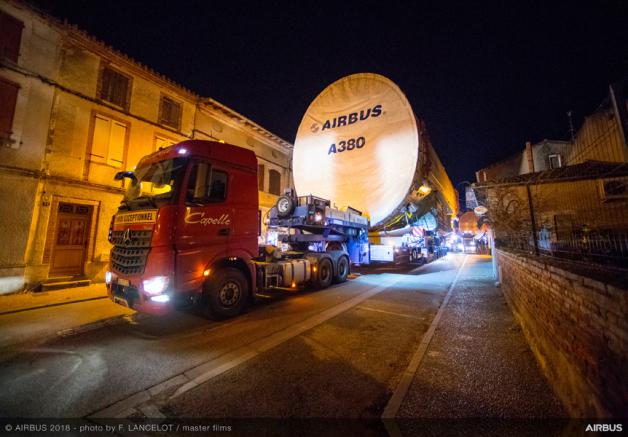ニュース画像 1枚目:ANA向けA380初号機の部品輸送