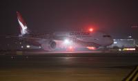 ニュース画像 1枚目:カンタス航空 787-9がヒースロー空港に到着