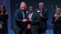 ニュース画像:アメリカン航空、チェアマンズ・アワードで103名のスタッフを表彰