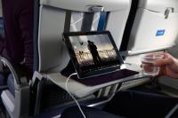 ニュース画像:ユナイテッド航空、携帯端末の機内エンターテイメントサービスを拡大