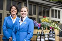 ニュース画像:KLM、機内ワインのラベルにオランダ黄金時代「春」の5作品を採用