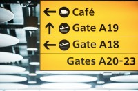 ニュース画像:ヒースロー空港、使い捨てコーヒーカップ廃止へ 再利用可能カップ導入開始