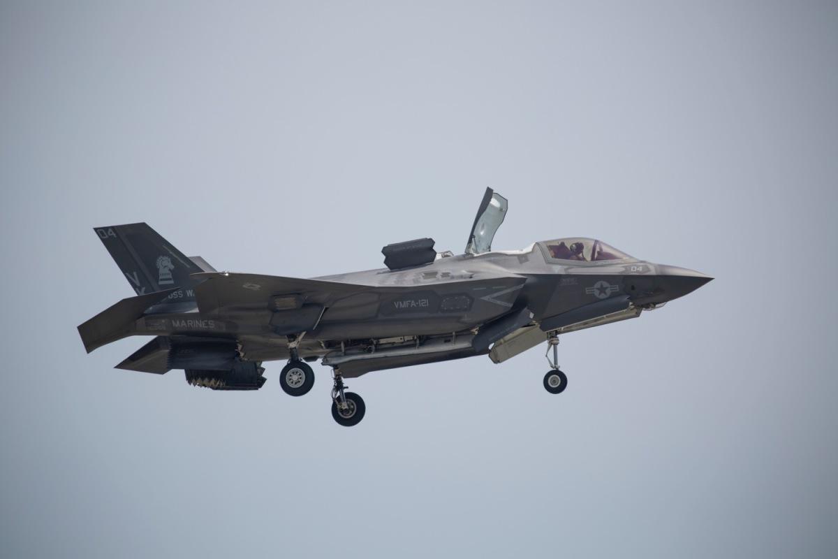 ニュース画像 1枚目:F-35Bの展示飛行、その垂直離着陸などユニークな性能を披露