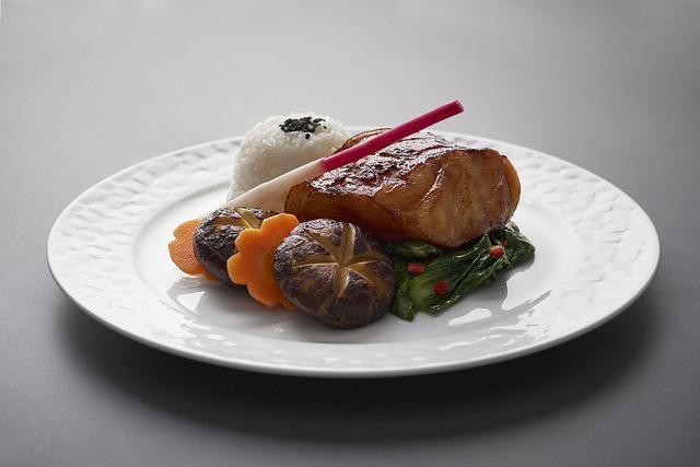 ニュース画像 1枚目:カタール航空機内食サービスイメージ
