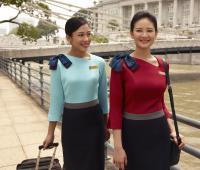 ニュース画像:シルクエア、客室乗務員の新制服を発表 4月15日から着用へ