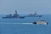 ニュース画像:「かが」「いなづま」「すずつき」、インドネシア海軍と親善訓練を実施