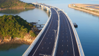 ニュース画像:香港国際空港近くに港珠澳大橋が開通、マカオや珠海へのアクセスが便利に