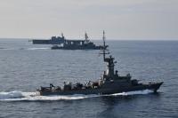 ニュース画像:「かが」と「いなづま」、シンガポール海軍とチャンギ港周辺で親善訓練