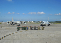 ニュース画像 1枚目:嘉手納基地で撮影されたP-8AとP-3C