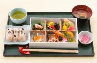 ニュース画像:JAL、羽田発国内ファーストクラスで正月特別メニュー 元日から3日間