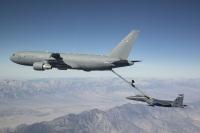 ニュース画像 1枚目:KC-46とF-15E