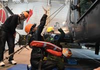 ニュース画像 2枚目:船内での訓練の様子