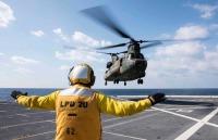 ニュース画像 1枚目:グリーン・ベイでの発着艦訓練