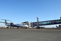 ニュース画像 1枚目:小型機対応ロング旅客搭乗橋の利用イメージ