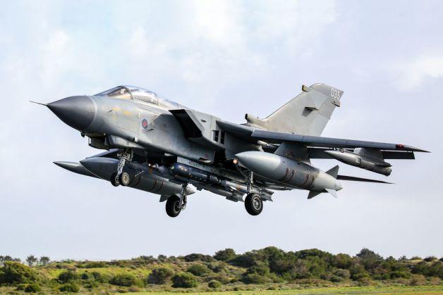 ニュース画像 1枚目:マーハム空軍基地に帰還したトルネード