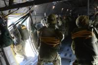 ニュース画像 1枚目:空挺降下 イメージ