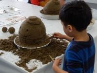 ニュース画像:セントレア、子供向け砂像作り体験イベント「なぞの旅人フー」を作成