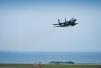 ニュース画像 1枚目:嘉手納基地を離陸するF-15Cイーグル
