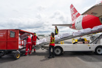 ニュース画像:エアアジアの貨物物流会社、オマーン航空とインターライン契約を締結