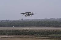 ニュース画像:ノースロップ・グラマン、空自初のE-2Dアドバンスド・ホークアイ納入