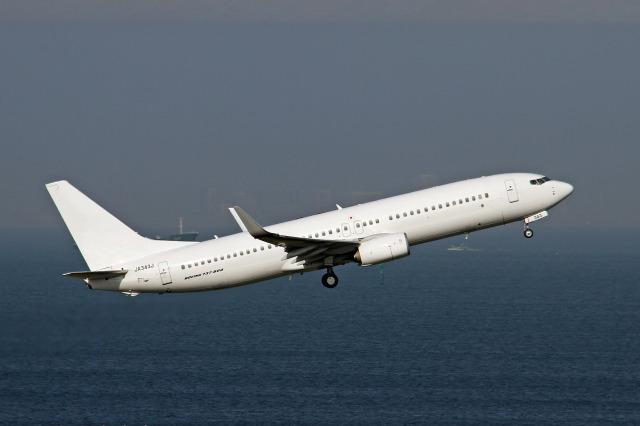 ニュース画像 1枚目:白い塗装の飛行機 イメージ