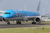 ニュース画像:KLMの100周年特別塗装機は初の787-10