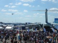 ニュース画像:第403飛行隊のC-2、パリ・エアショーで各国空軍と部隊間交流
