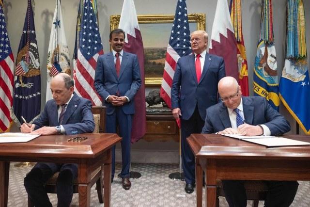 ニュース画像 1枚目:カタール航空、ホワイトハウスでボーイング、GEと契約