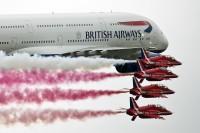 ニュース画像:BOAC塗装の747とレッド・アローズ、RIATで編隊飛行を披露