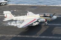 ニュース画像:アメリカ海軍のEA-6Bプラウラーが退役