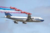 ニュース画像 4枚目:ブリティッシュ・エアウェイズ 747とレッドアローズ