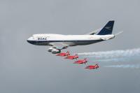ニュース画像 9枚目:ブリティッシュ・エアウェイズ 747とレッドアローズ