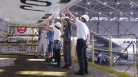 ニュース画像:羽田空港、空の日イベントで格納庫見学バスツアー 8月末まで参加者募集