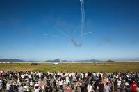 ニュース画像:松島基地航空祭、ブルーインパルスとPACAF F-16がアクロ共演