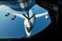 ニュース画像 3枚目:KC-135、セントリーに給油