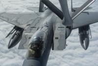 ニュース画像 1枚目:KC-135の空中給油を受けるF-15C