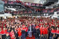 ニュース画像:エアアジア、マレーシア首相に未来の飛行機旅行を紹介