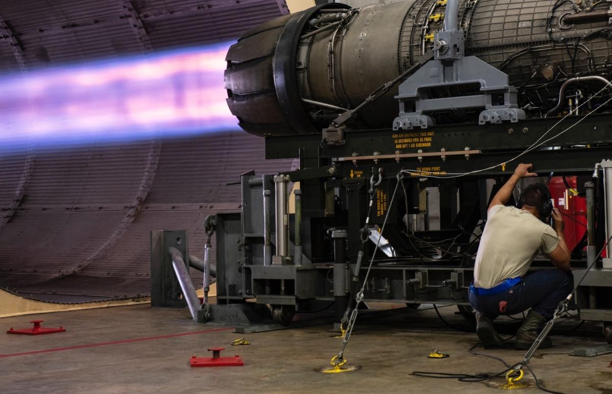 ニュース画像 1枚目:F110-GE-129エンジン