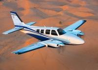 ニュース画像:ビーチクラフト・バロン58、初飛行から50周年