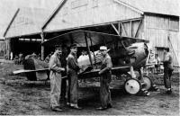 ニュース画像 2枚目:各務ヶ原飛行場で操縦や整備も教育に携わったフランス航空教育団