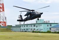 ニュース画像:御前崎分屯基地、UH-60J救難ヘリコプターの離発着訓練を支援